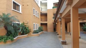 Apartamento En Ventaen Panama, Clayton, Panama, PA RAH: 16-4161