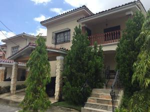 Casa En Venta En Panama, Altos De Panama, Panama, PA RAH: 16-4260