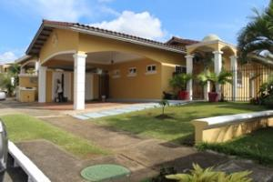 Casa En Alquiler En Panama, Altos De Panama, Panama, PA RAH: 16-4424