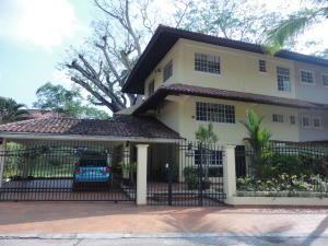 Casa En Venta En Panama, Clayton, Panama, PA RAH: 16-4493