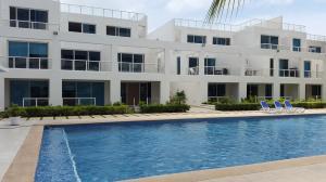 Townhouse En Alquiler En Rio Hato, Playa Blanca, Panama, PA RAH: 16-4499
