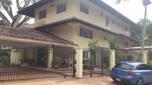 Casa En Venta En Panama, Clayton, Panama, PA RAH: 16-4612