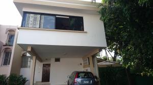 Casa En Venta En Panama, Altos Del Golf, Panama, PA RAH: 16-4613