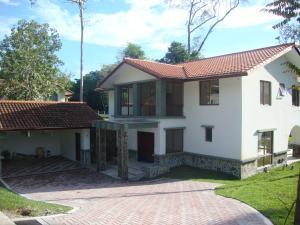 Casa En Venta En Panama, Clayton, Panama, PA RAH: 16-4688