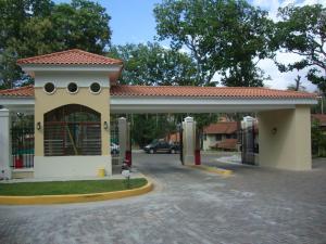 Casa En Venta En Panama, Clayton, Panama, PA RAH: 16-4690