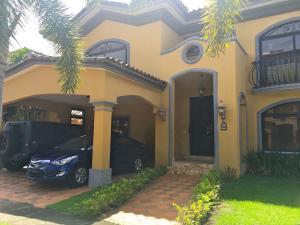 Casa En Alquiler En Panama, Costa Del Este, Panama, PA RAH: 16-4733