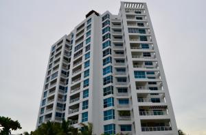 Apartamento En Ventaen Rio Hato, Playa Blanca, Panama, PA RAH: 16-4750