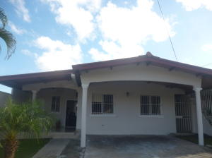 Casa En Venta En Panama, Brisas Del Golf, Panama, PA RAH: 16-4844