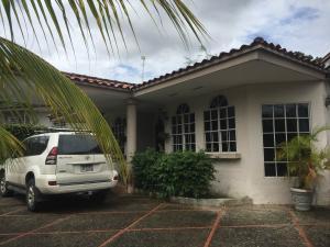 Casa En Ventaen Panama, Las Cumbres, Panama, PA RAH: 16-4856