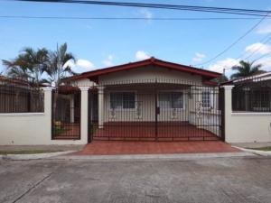 Casa En Venta En San Miguelito, Brisas Del Golf, Panama, PA RAH: 16-4897