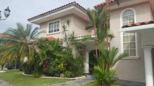 Casa En Venta En Panama, Costa Del Este, Panama, PA RAH: 16-4974