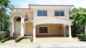 Casa En Alquiler En Panama, Costa Del Este, Panama, PA RAH: 16-5041