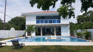 Casa En Venta En Chame, Coronado, Panama, PA RAH: 16-5098