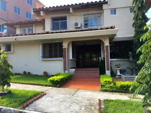 Casa En Venta En Panama, Condado Del Rey, Panama, PA RAH: 16-5114