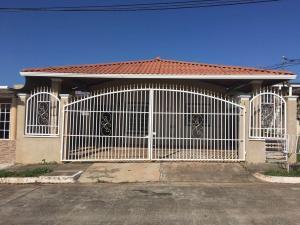 Casa En Venta En La Chorrera, Chorrera, Panama, PA RAH: 16-5264