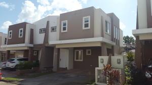 Casa En Alquiler En Panama, Brisas Del Golf, Panama, PA RAH: 17-1