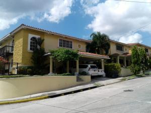 Casa En Venta En San Miguelito, Villa Lucre, Panama, PA RAH: 17-325