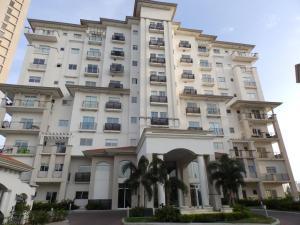 Apartamento En Venta En Panama, Santa Maria, Panama, PA RAH: 17-365