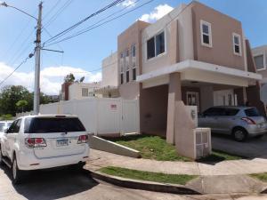 Casa En Alquiler En Panama, Brisas Del Golf, Panama, PA RAH: 17-408