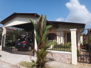 Casa En Venta En Panama, Brisas Del Golf, Panama, PA RAH: 17-524