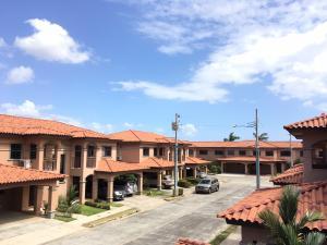 Casa En Venta En Panama, Versalles, Panama, PA RAH: 17-732