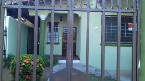 Casa En Alquiler En Panama, Brisas Del Golf, Panama, PA RAH: 17-768