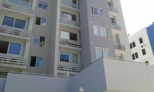 Apartamento En Alquiler En Panama, Ricardo J Alfaro, Panama, PA RAH: 17-849
