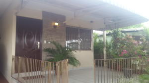 Casa En Venta En Panama, Rio Abajo, Panama, PA RAH: 17-878
