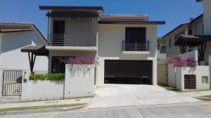 Casa En Venta En Panama, Panama Pacifico, Panama, PA RAH: 17-944