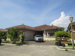 Casa En Venta En Panama, Costa Sur, Panama, PA RAH: 17-965