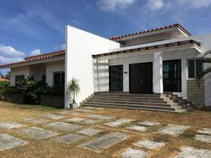 Casa En Venta En Chame, Coronado, Panama, PA RAH: 17-1225