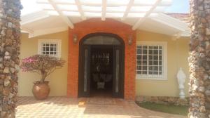 Casa En Alquiler En Chame, Coronado, Panama, PA RAH: 17-1235