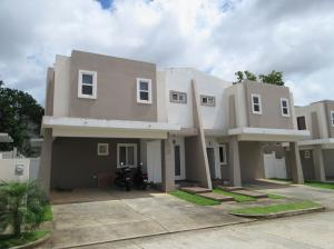 Casa En Venta En Panama, Brisas Del Golf, Panama, PA RAH: 17-1319