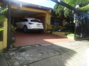 Casa En Alquiler En Panama, El Dorado, Panama, PA RAH: 17-1395