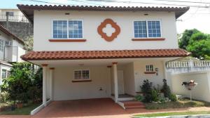 Casa En Alquiler En Panama, Brisas Del Golf, Panama, PA RAH: 17-1409