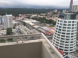 Apartamento En Venta En Panama, Edison Park, Panama, PA RAH: 17-1463