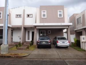 Casa En Venta En Panama, Brisas Del Golf, Panama, PA RAH: 17-1591