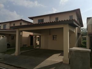 Casa En Venta En Panama, Panama Pacifico, Panama, PA RAH: 17-1631