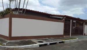 Casa En Venta En Panama, Chanis, Panama, PA RAH: 17-1721
