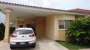 Casa En Venta En Panama, Brisas Del Golf, Panama, PA RAH: 17-2478