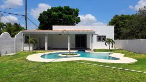 Casa En Alquiler En Chame, Coronado, Panama, PA RAH: 17-1828