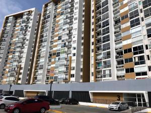 Apartamento En Alquiler En Panama, Condado Del Rey, Panama, PA RAH: 17-1885
