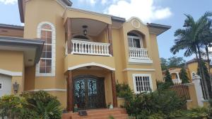 Casa En Venta En Panama, Ancon, Panama, PA RAH: 17-2521