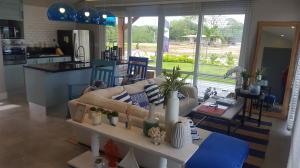 Casa En Venta En Pedasi, Pedasi, Panama, PA RAH: 17-2555