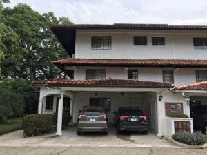 Casa En Venta En Panama, Clayton, Panama, PA RAH: 17-2551