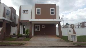 Casa En Alquiler En Panama, Brisas Del Golf, Panama, PA RAH: 17-2637