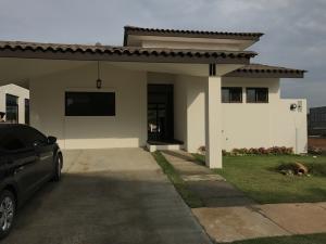 Casa En Alquiler En La Chorrera, Chorrera, Panama, PA RAH: 17-2688
