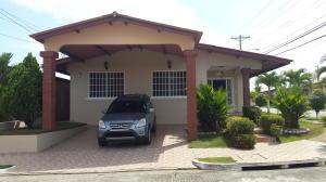 Casa En Venta En Panama, Brisas Del Golf, Panama, PA RAH: 17-2818