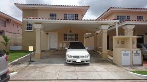 Casa En Venta En Panama, Brisas Del Golf, Panama, PA RAH: 17-2946