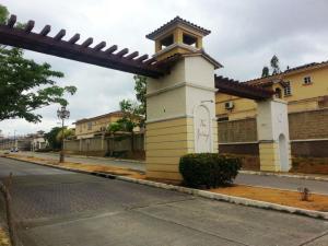 Casa En Alquiler En Panama, Condado Del Rey, Panama, PA RAH: 17-2998